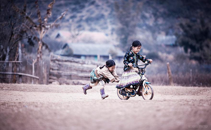 niños felices por todo el mundo  chidren-playing-around-the-world-51