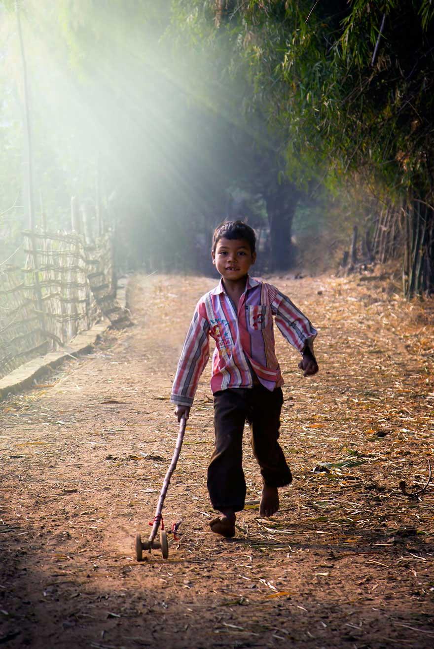 niños felices por todo el mundo  children-around-the-world-15