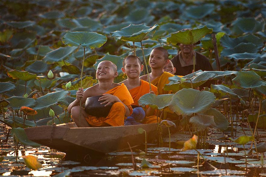 niños felices por todo el mundo  children-around-the-world-18
