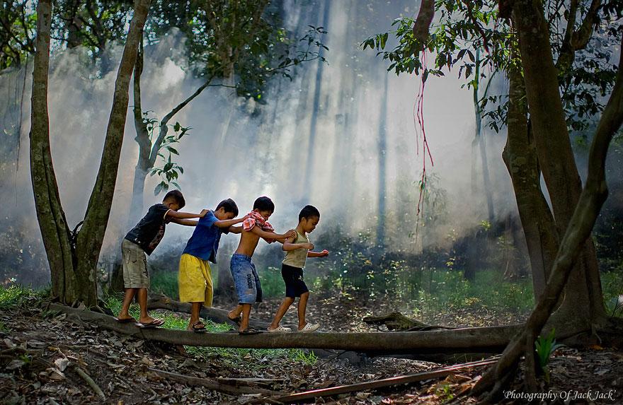 niños felices por todo el mundo  children-around-the-world-53